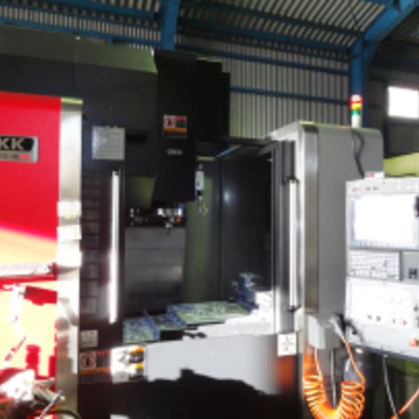 マシニングセンター OKK VM53R
