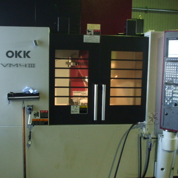 マシニングセンター OKK VM4
