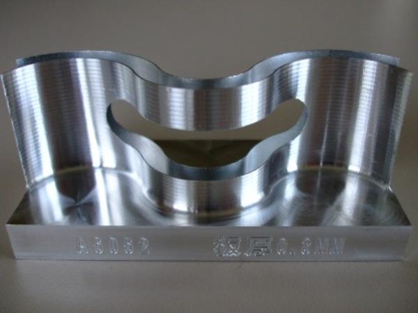 加工サンプル(A5052、肉厚0.3mm)