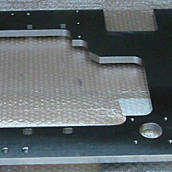 マシニング加工 製品サンプル(鉄:SUS304寸法900×500×t15)