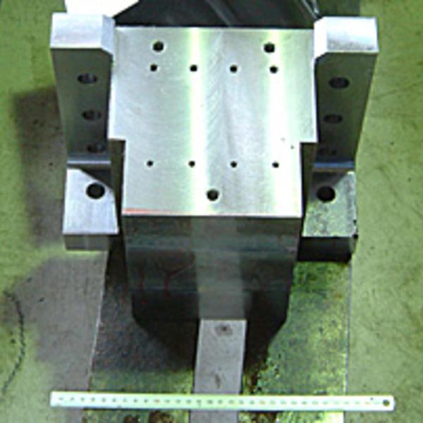 マシニング加工 製品サンプル(鉄:SS400重量80kg)